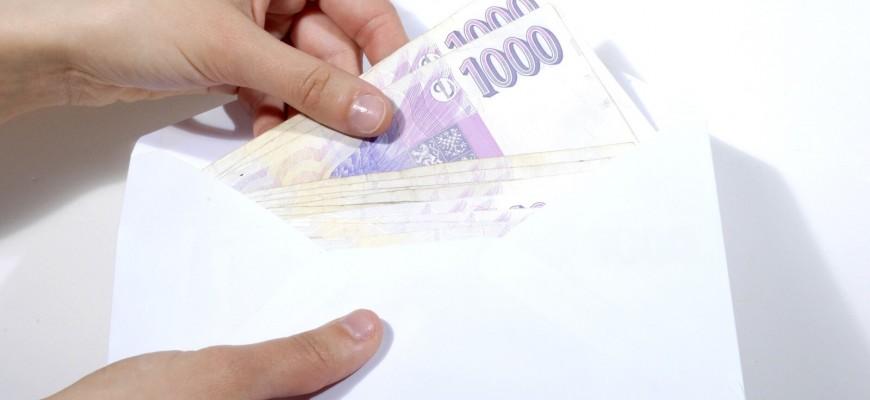 Můžete si velmi snadno pořídit online půjčku do 5000 Kč. Není potřeba potvrzení o příjmu ani žádné další dokumenty. Do 15 minut tak mohou být peníze u vás na bankovním účtu