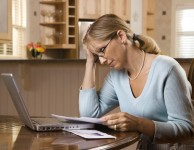 Půjčka bez dokazování příjmů znamená v praxi to, že zájemce o získání finančních prostředků není nucen předkládat potvrzení o příjmu, nebo jiným způsobem prokazovat svoje příjmy.