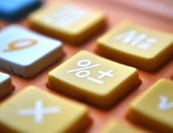 Pokud exekutor nařídí srážky, pak se jejich výpočet u výplaty z DPP provádí podle identických pravidel, jako třeba u výplaty ze zaměstnání.