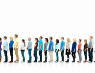 Podpora v nezaměstnanosti se počítá z průměrné čisté mzdy z posledního zaměstnání.